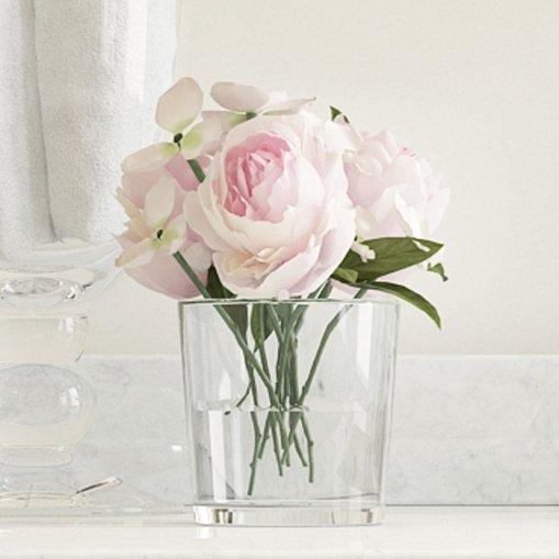 hydrangea+and+rose+arrangement+in+glass+vase